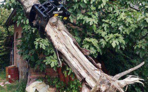 pinza-troncos-accessoris-maquinaria-forestal2